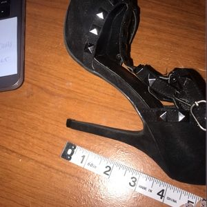 Wild Diva Shoes - Pointed black High Heels